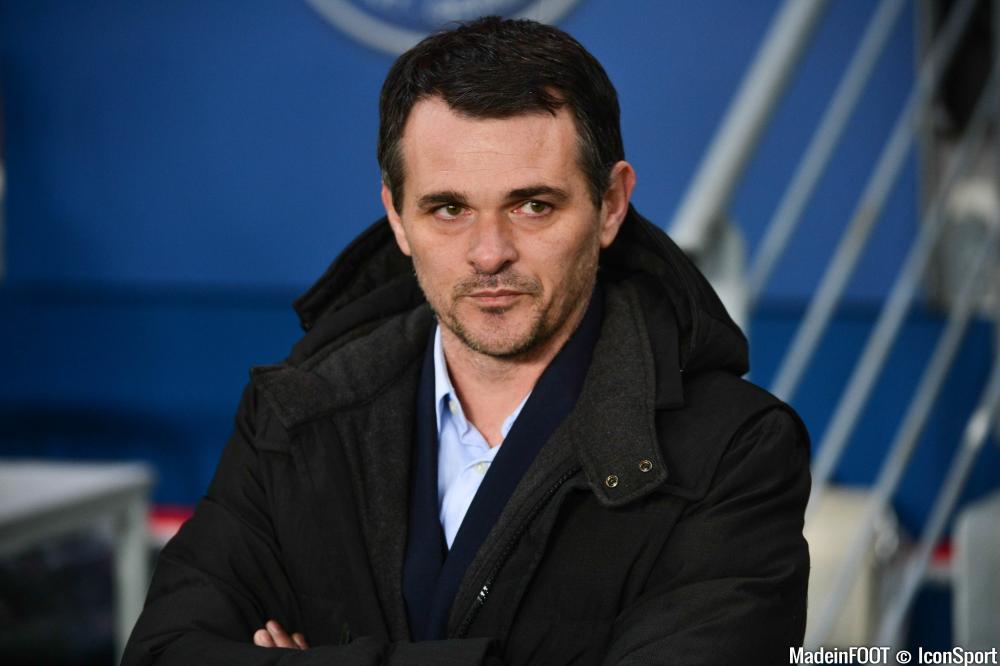 Willy Sagnol regarde en Ligue 1 pour anticiper le départ de Rolan.