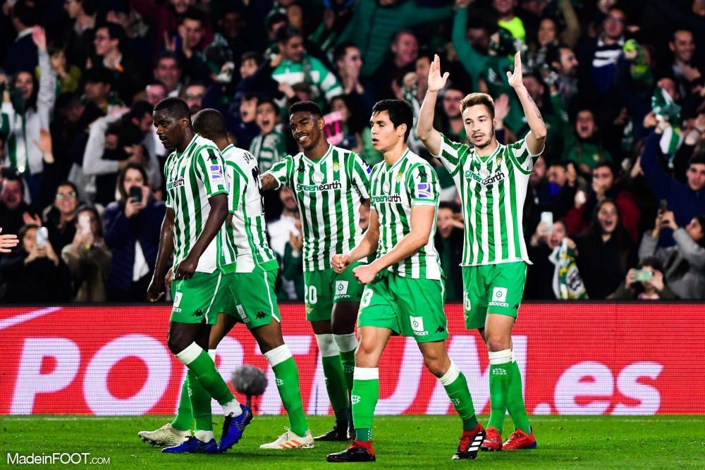 Aïssa Mandi totalise 168 matchs sous les couleurs du Betis, il est également le joueur étranger du club le plus capé en sélection