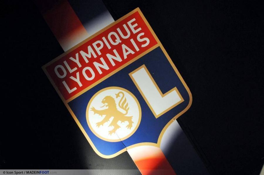 Insua intéresse Lyon