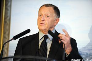 Jean-Michel Aulas lors de la présentation du dossier du grand stade de Lyon en 2011