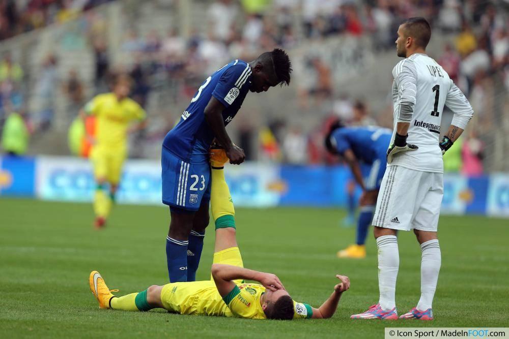Samuel Umtiti (OL) suscite l'intérêt de plusieurs écuries de Premier League.