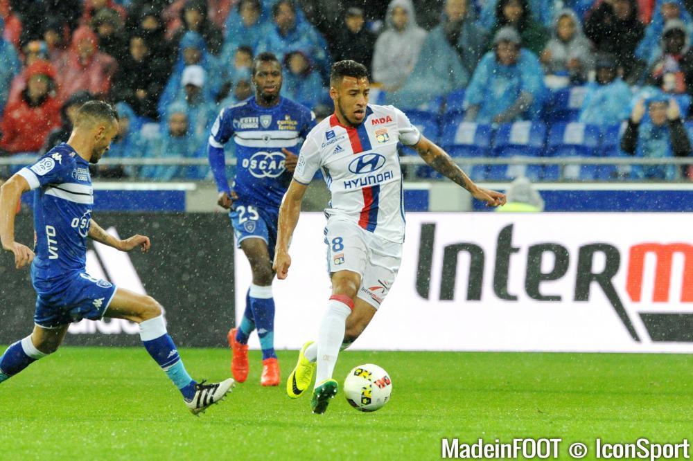 Corentin Tolisso en action lors de la rencontre de Ligue 1 Lyon - Bastia en 2016