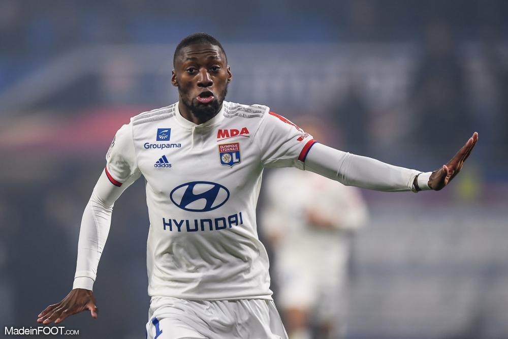 Toko Ekambi reste à Lyon