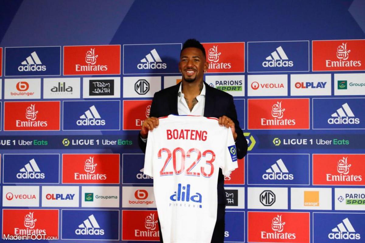 Boateng avec le maillot de Lyon