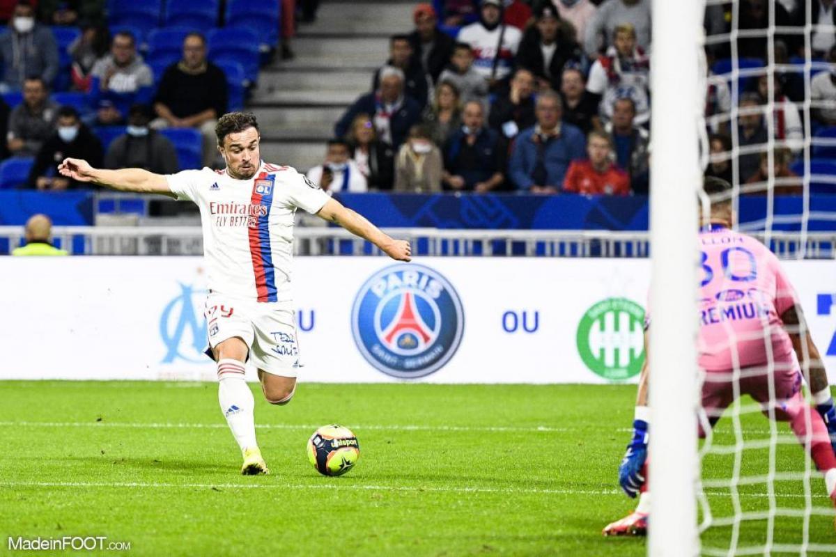 L'album photo du match entre l'Olympique Lyonnais et l'ESTAC Troyes.