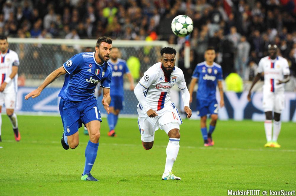 Alexandre Lacazette sera titulaire à Turin ce soir.